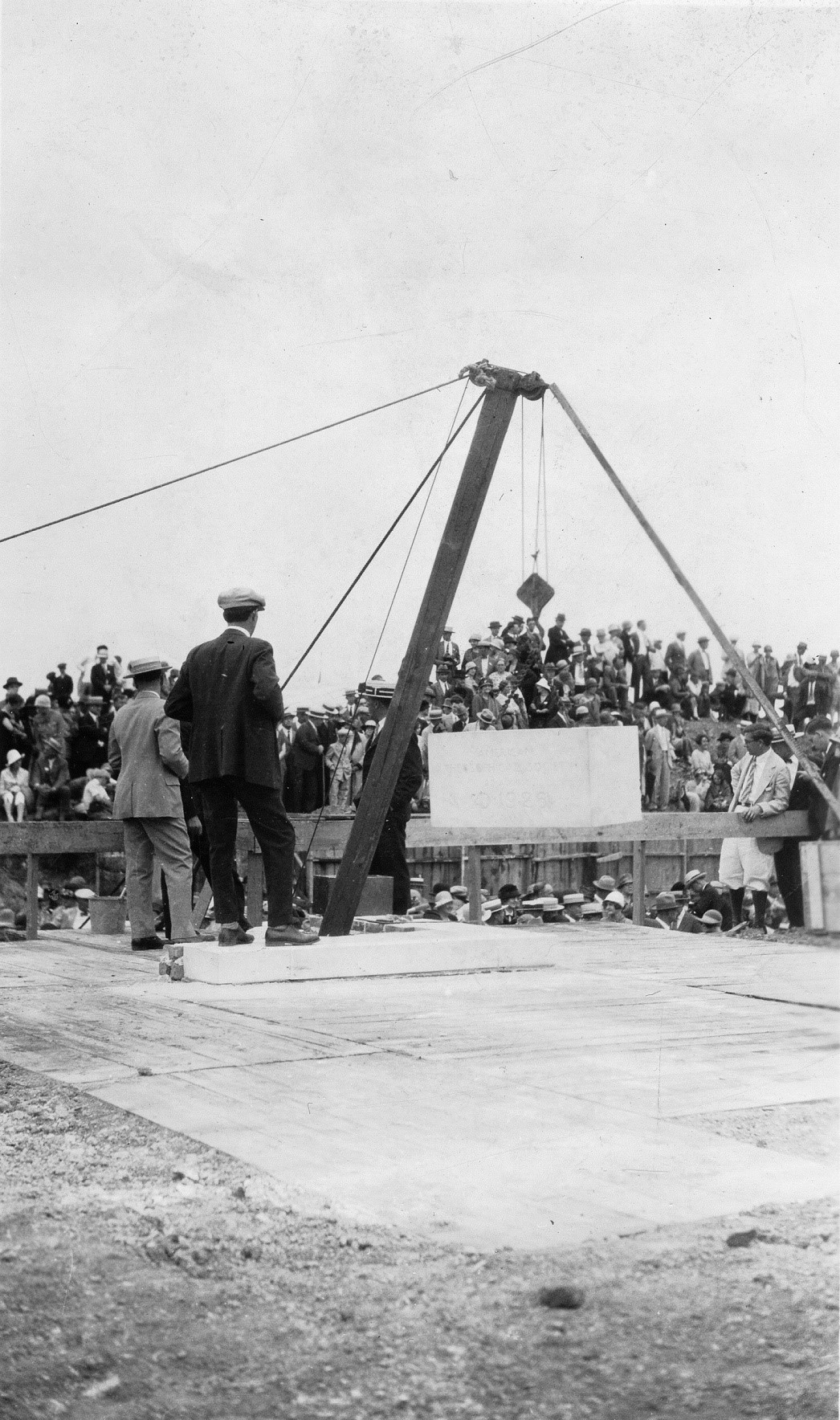 https://www.theosophical.org/images/stories/enews/September2016/laying-the-cornerstone-of-l-w-rogers-building.jpg